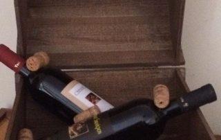 Botticella con vini e prodotti gastronomici